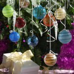 Local Artists Hosting Holiday Glass Art and Ornament Extravaganza