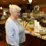 Oakwood Common Residents Enjoy Flexible Meal Plans